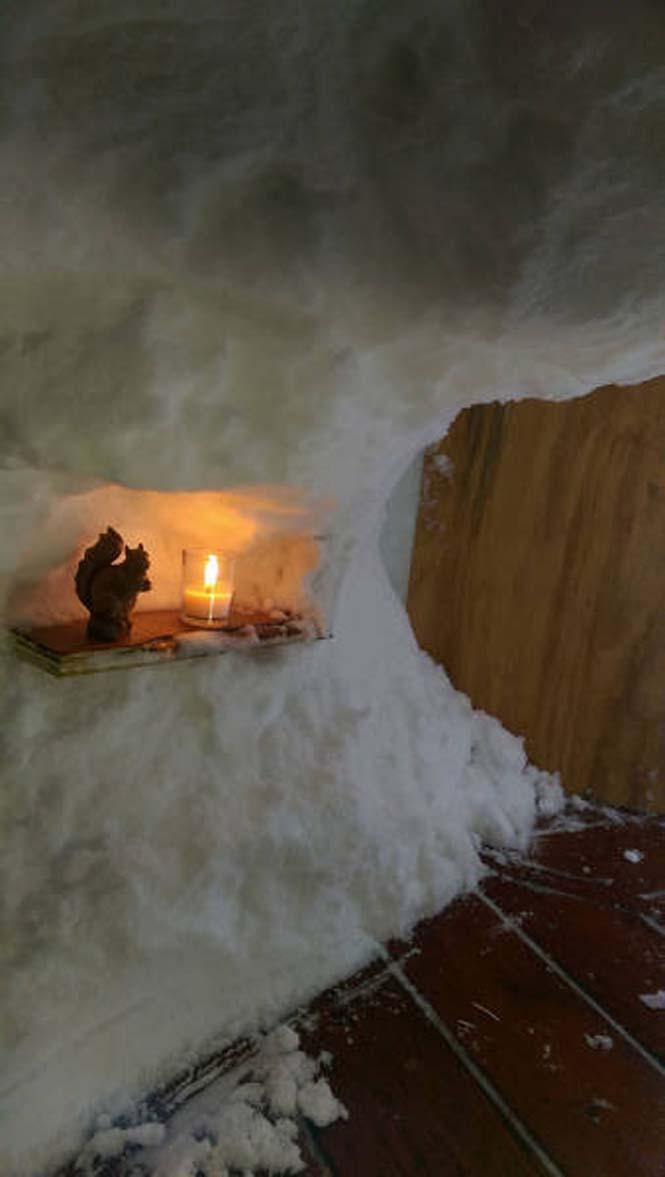 Η χιονοθύελλα του έδωσε την ευκαιρία να φτιάξει ένα Igloo στην αυλή του (4)