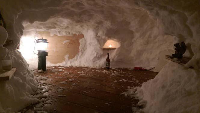 Η χιονοθύελλα του έδωσε την ευκαιρία να φτιάξει ένα Igloo στην αυλή του (10)