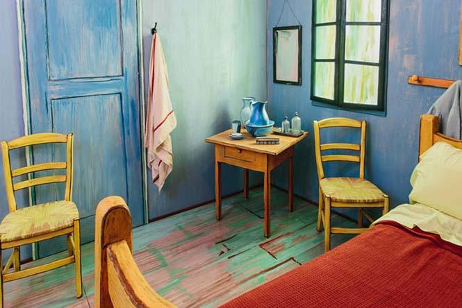 Καλλιτέχνες διαμόρφωσαν ένα υπνοδωμάτιο σαν τον διάσημο πίνακα του Van Gogh (4)