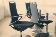 Καρέκλες γραφείου που γυρίζουν στην θέση τους μόνες τους