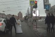 Κάτι μας λέει πως αυτός ο γάμος δεν θα έχει μέλλον