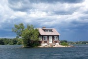 Το νησάκι που χωράει μόνο ένα σπίτι (2)