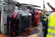 Νταλίκα που μετέφερε 9 supercars ανετράπη (1)