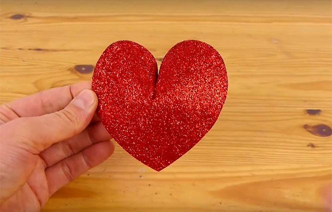 Πως να φτιάξετε 3D καρδούλες για το ταίρι σας