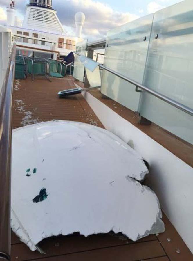 Ζημιές σε κρουαζιερόπλοιο μετά από σφοδρή θαλασσοταραχή (7)