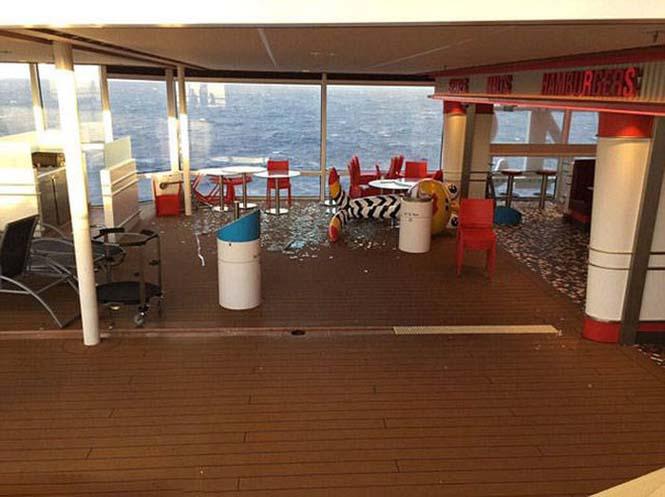 Ζημιές σε κρουαζιερόπλοιο μετά από σφοδρή θαλασσοταραχή (14)