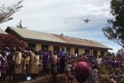 Οι αντιδράσεις παιδιών στην Αφρική όταν βλέπουν ένα drone για πρώτη φορά