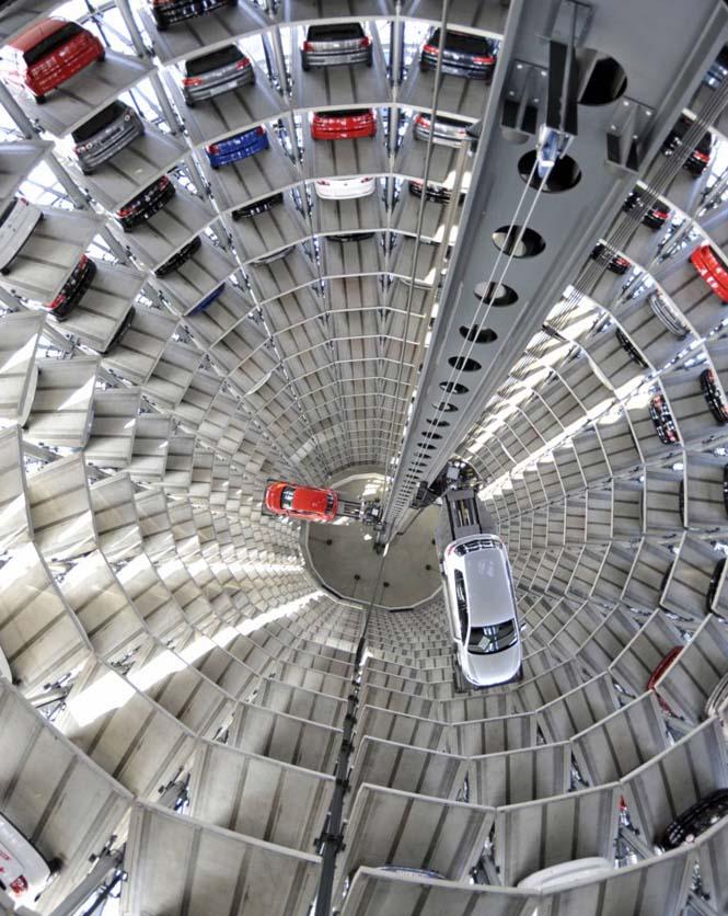 Απίθανα γκαράζ αυτοκινήτων στον κόσμο (2)