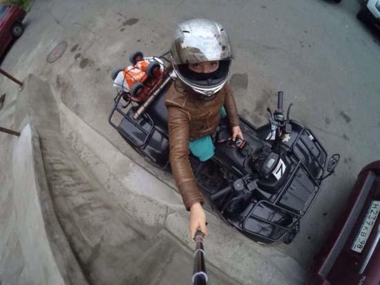 Κοπέλα χωρίς πόδια ζει την ζωή στο μέγιστο (19)