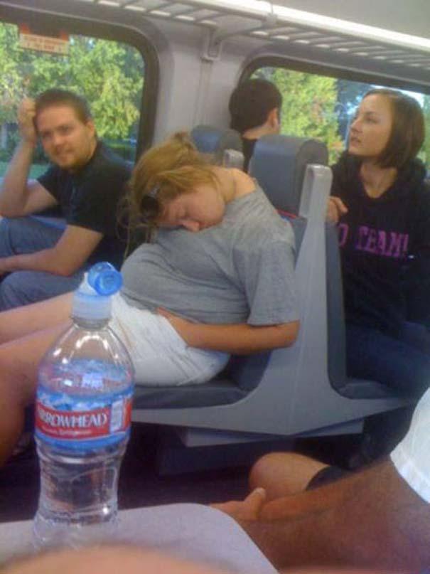 Παράξενες και κωμικοτραγικές φωτογραφίες στα μέσα μεταφοράς #12 (5)