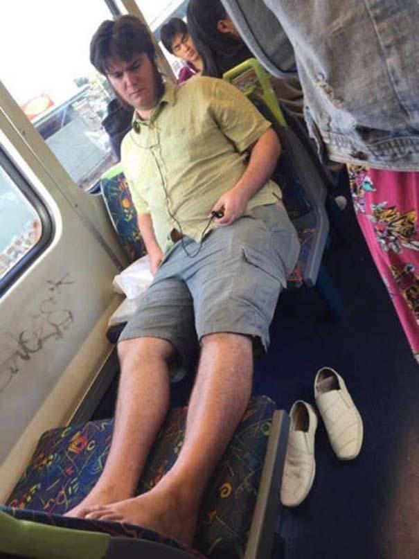 Παράξενες και κωμικοτραγικές φωτογραφίες στα μέσα μεταφοράς #12 (7)