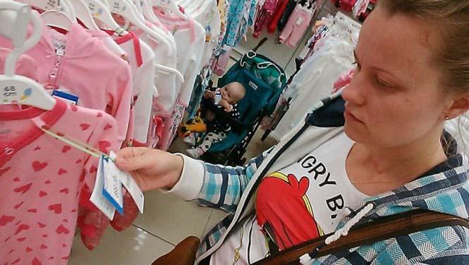 Νεαρή μητέρα καταγράφει την καθημερινότητα της με ένα selfie stick (16)