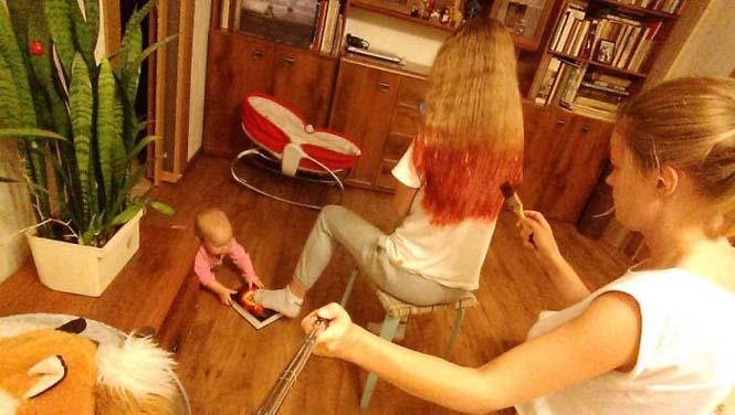 Νεαρή μητέρα καταγράφει την καθημερινότητα της με ένα selfie stick (17)