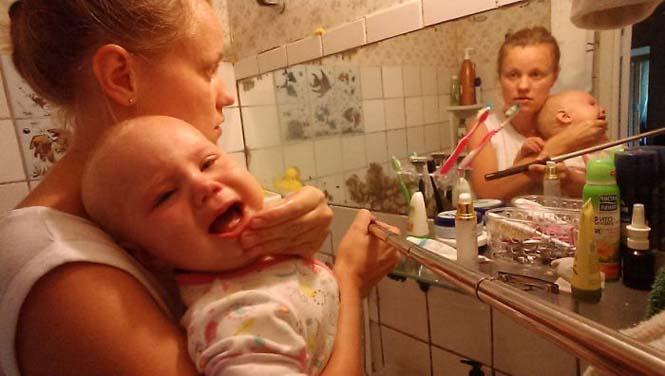 Νεαρή μητέρα καταγράφει την καθημερινότητα της με ένα selfie stick (19)