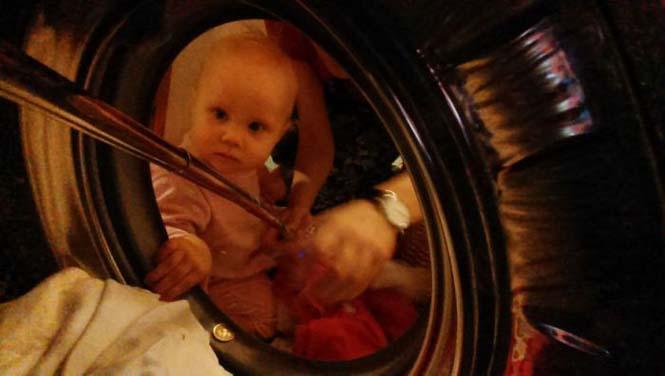 Νεαρή μητέρα καταγράφει την καθημερινότητα της με ένα selfie stick (20)
