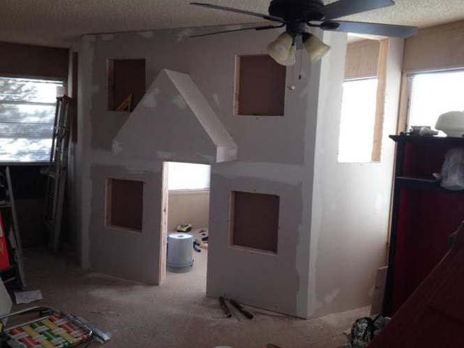 Πατέρας μετέτρεψε ένα ολόκληρο δωμάτιο για τα παιδιά του (8)