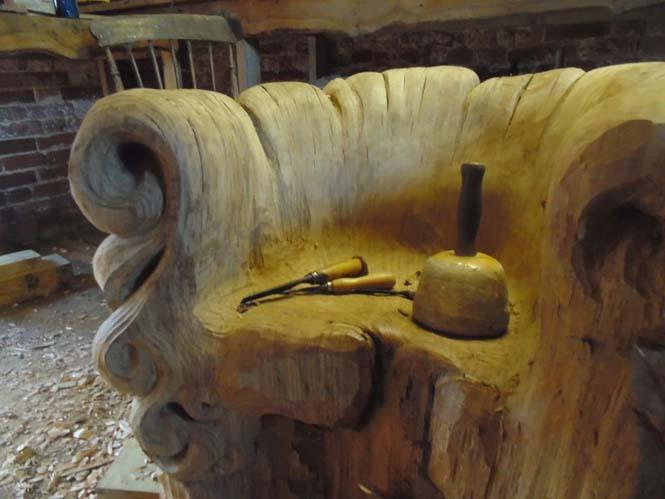 Περίτεχνη πολυθρόνα από ένα κούτσουρο βελανιδιάς (6)
