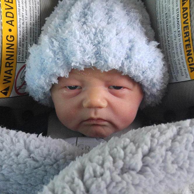 Μωρό 5 ημερών μοιάζει σα να έχει δει ήδη πολλά στη ζωή του   Φωτογραφία της ημέρας