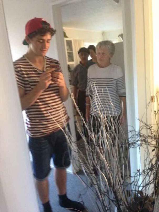 Πιάστηκαν στα πράσα ενώ προσπαθούσαν να βγάλουν την τέλεια selfie (4)