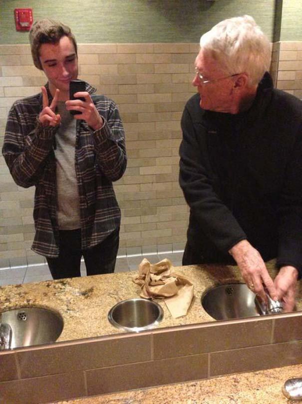 Πιάστηκαν στα πράσα ενώ προσπαθούσαν να βγάλουν την τέλεια selfie (20)