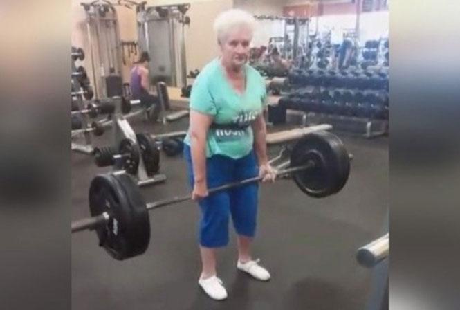78χρονη γιαγιά - αρσιβαρίστρια σηκώνει 100 κιλά