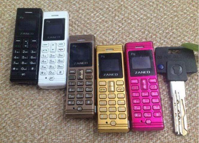 Ίσως το μικρότερο κινητό τηλέφωνο στον κόσμο (2)