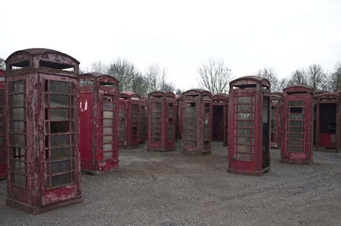 Νεκροταφεία για τηλεφωνικούς θαλάμους (1)