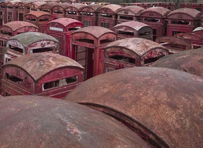 Νεκροταφεία για τηλεφωνικούς θαλάμους (2)