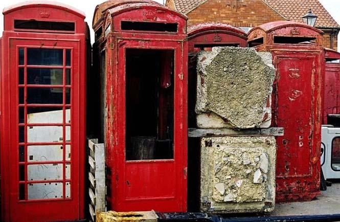 Νεκροταφεία για τηλεφωνικούς θαλάμους (4)
