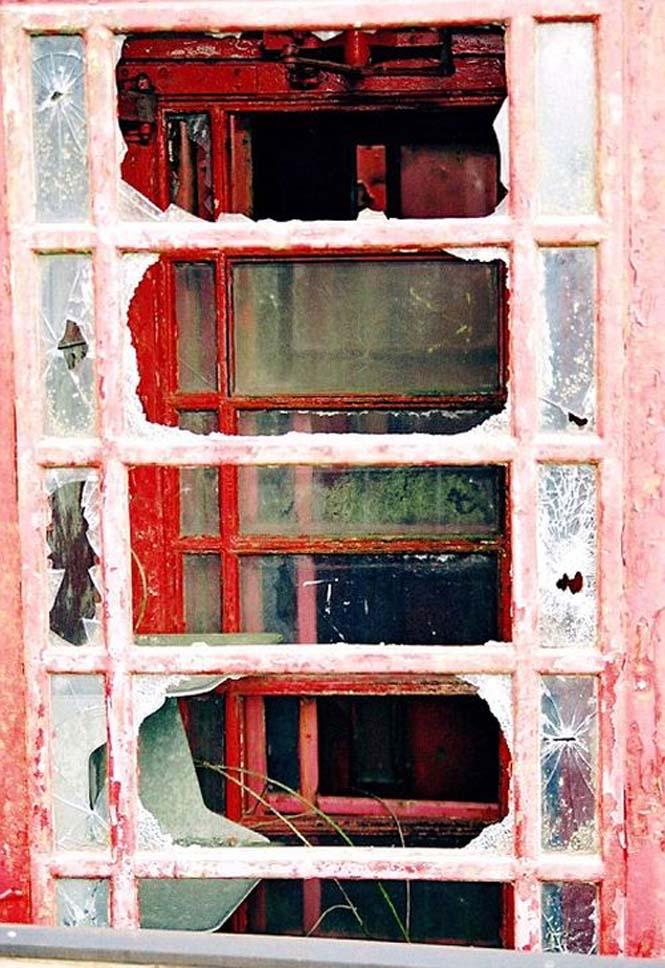 Νεκροταφεία για τηλεφωνικούς θαλάμους (9)