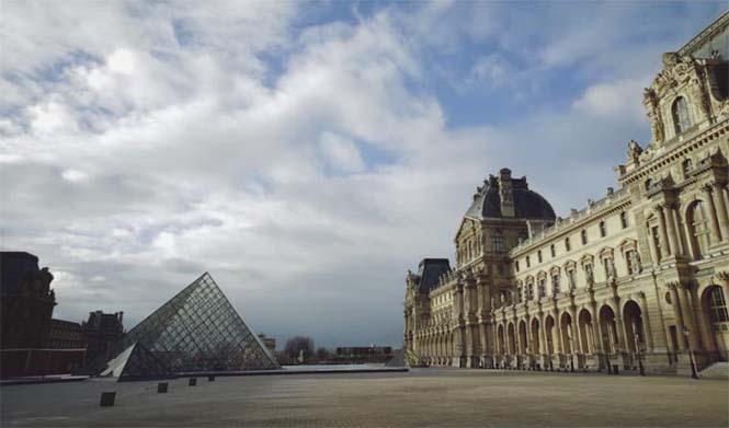 Ολομόναχη στο Παρίσι (1)