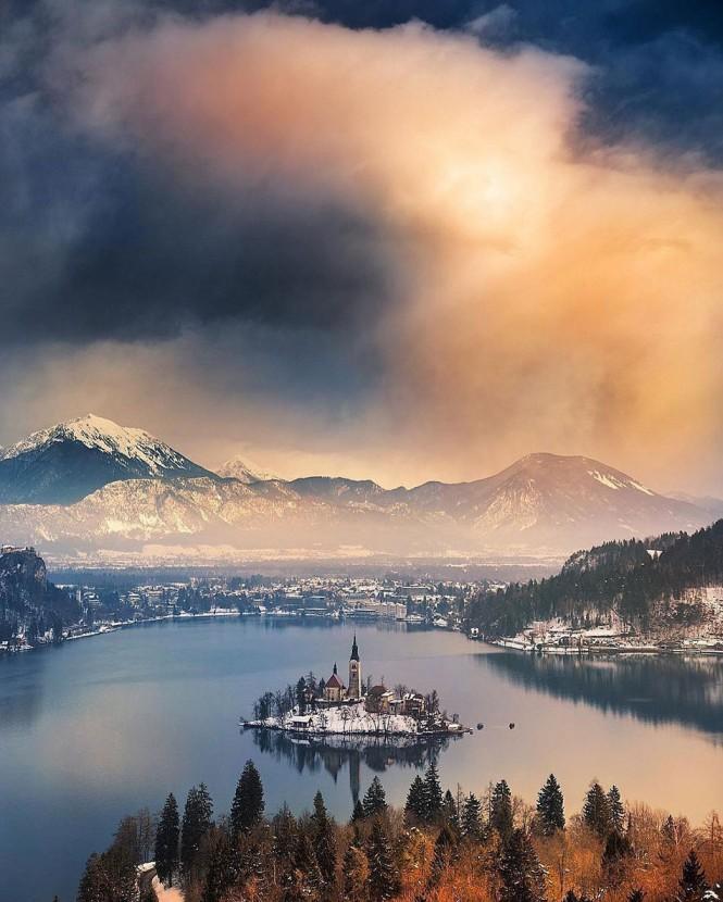 Η μαγευτική λίμνη Bled στη Σλοβενία | Φωτογραφία της ημέρας