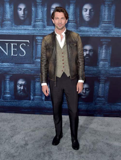 Οι πρωταγωνιστές του Game Of Thrones φόρεσαν τα καλά τους για την πρεμιέρα της 6ης σεζόν (3)
