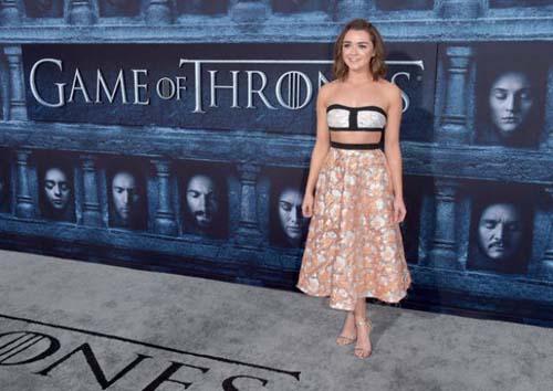 Οι πρωταγωνιστές του Game Of Thrones φόρεσαν τα καλά τους για την πρεμιέρα της 6ης σεζόν (8)