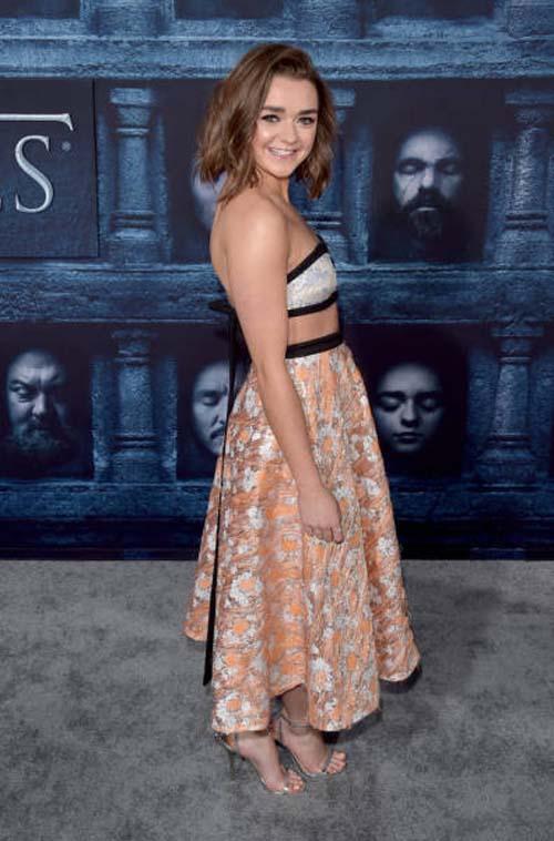 Οι πρωταγωνιστές του Game Of Thrones φόρεσαν τα καλά τους για την πρεμιέρα της 6ης σεζόν (9)