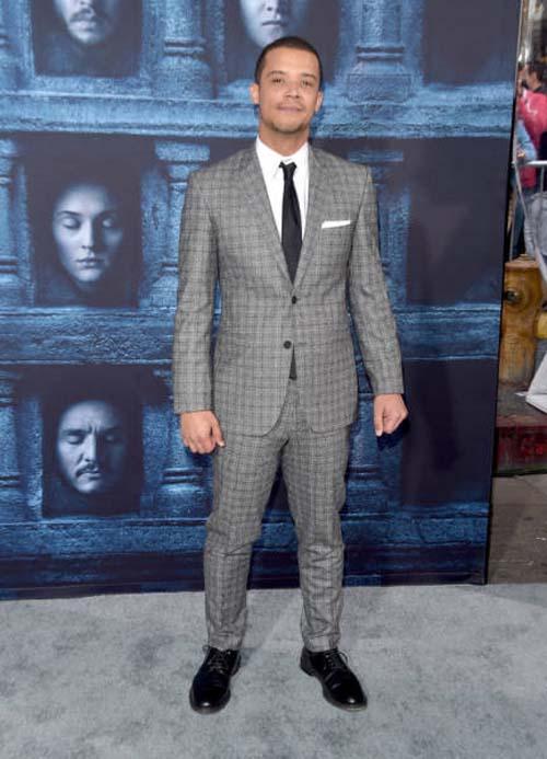 Οι πρωταγωνιστές του Game Of Thrones φόρεσαν τα καλά τους για την πρεμιέρα της 6ης σεζόν (12)