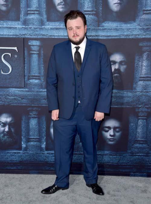 Οι πρωταγωνιστές του Game Of Thrones φόρεσαν τα καλά τους για την πρεμιέρα της 6ης σεζόν (14)