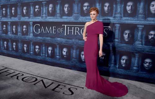 Οι πρωταγωνιστές του Game Of Thrones φόρεσαν τα καλά τους για την πρεμιέρα της 6ης σεζόν (15)