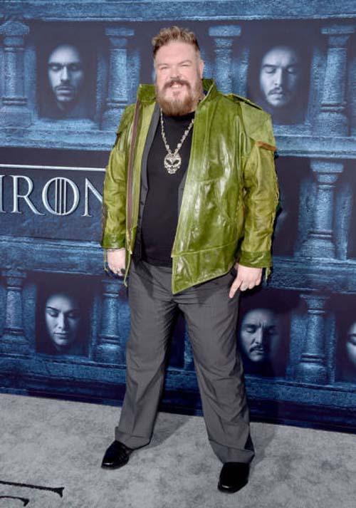 Οι πρωταγωνιστές του Game Of Thrones φόρεσαν τα καλά τους για την πρεμιέρα της 6ης σεζόν (16)
