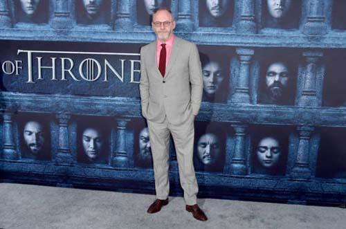 Οι πρωταγωνιστές του Game Of Thrones φόρεσαν τα καλά τους για την πρεμιέρα της 6ης σεζόν (17)