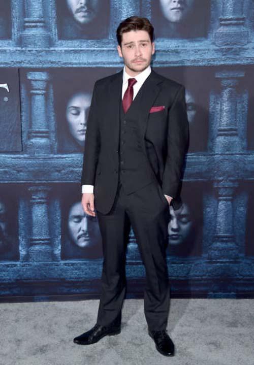 Οι πρωταγωνιστές του Game Of Thrones φόρεσαν τα καλά τους για την πρεμιέρα της 6ης σεζόν (18)