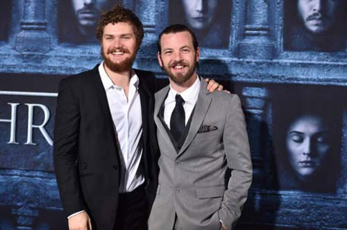Οι πρωταγωνιστές του Game Of Thrones φόρεσαν τα καλά τους για την πρεμιέρα της 6ης σεζόν (23)