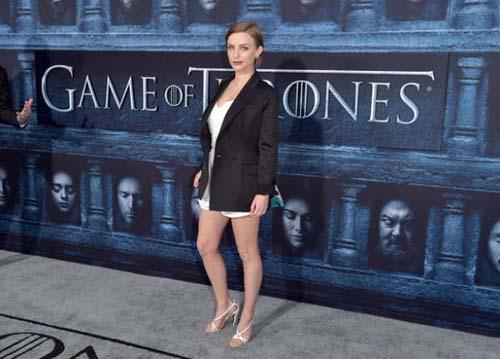 Οι πρωταγωνιστές του Game Of Thrones φόρεσαν τα καλά τους για την πρεμιέρα της 6ης σεζόν (24)