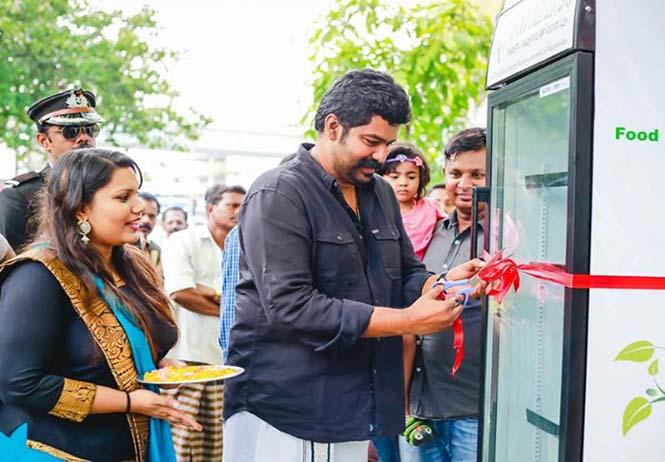 Εστιατόριο τοποθέτησε ψυγείο στο δρόμο για να τρώνε όσοι έχουν ανάγκη (3)