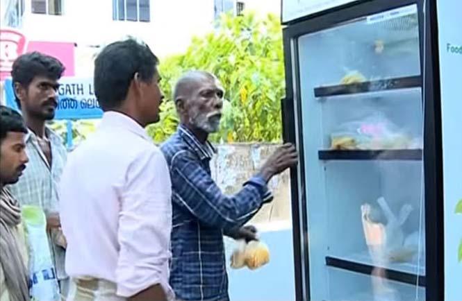 Εστιατόριο τοποθέτησε ψυγείο στο δρόμο για να τρώνε όσοι έχουν ανάγκη (5)
