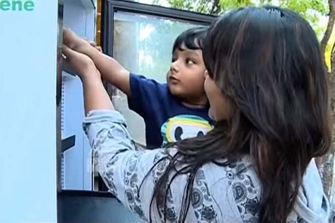 Εστιατόριο τοποθέτησε ψυγείο στο δρόμο για να τρώνε όσοι έχουν ανάγκη (7)
