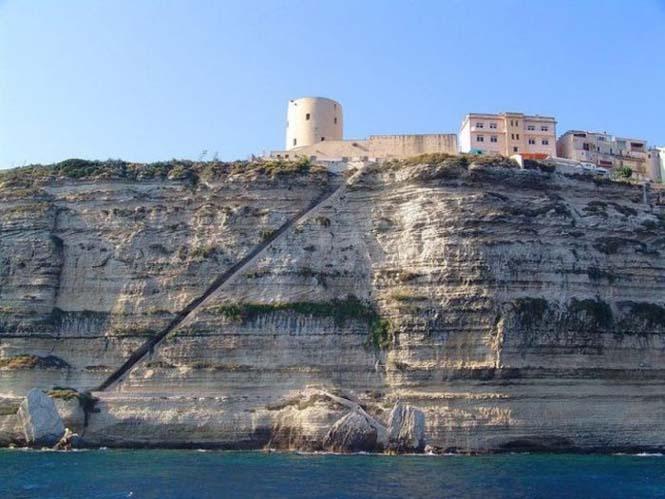 Η σκάλα του Βασιλιά της Αραγονίας (1)