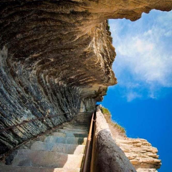 Η σκάλα του Βασιλιά της Αραγονίας (2)