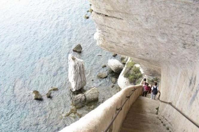 Η σκάλα του Βασιλιά της Αραγονίας (3)