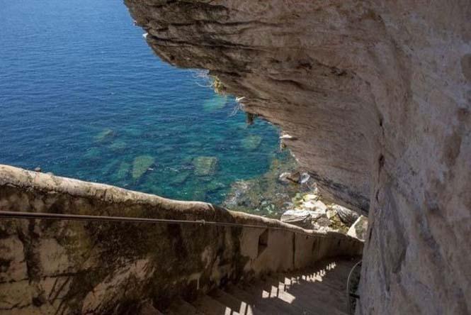 Η σκάλα του Βασιλιά της Αραγονίας (9)